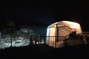 double-elephant_Mazan_Varini_antoine-de-roux-tente-nuit